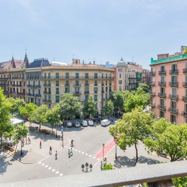 IMG_0173-rent-apartment-apartamentos-alquiler-barcelona-ramblas-booking-airbnb-connectus-fotografo-min