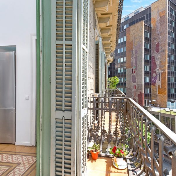 IMG_0174-rent-apartment-apartamentos-alquiler-barcelona-ramblas-booking-airbnb-connectus-fotografo-min