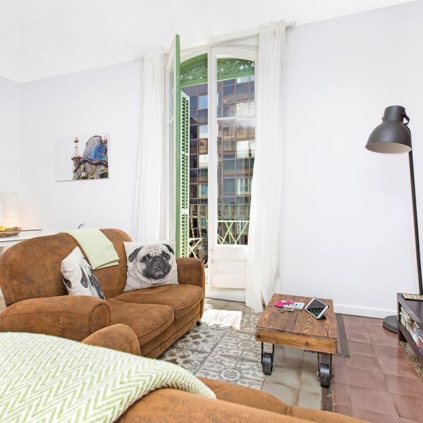 IMG_0322-rent-apartment-apartamentos-alquiler-barcelona-ramblas-booking-airbnb-connectus-fotografo