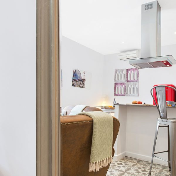 IMG_0332-rent-apartment-apartamentos-alquiler-barcelona-ramblas-booking-airbnb-connectus-fotografo