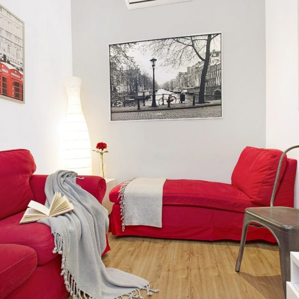 IMG_0503-rent-apartment-apartamentos-alquiler-barcelona-ramblas-booking-airbnb-connectus-fotografo--min